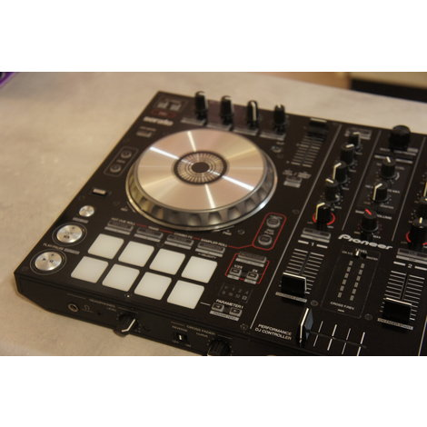 Pioneer DDJ-SR DJ Controller in zeer nette staat met transportbag