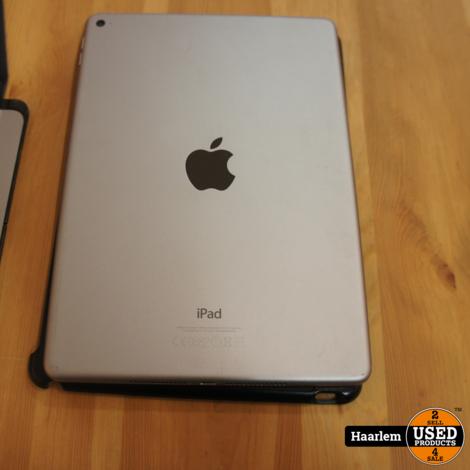 Apple Ipad Air 2 128GB incl hoes/toetsenbord  (space-grey)