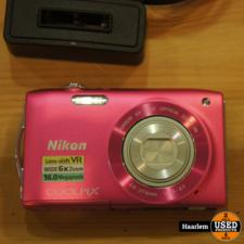 Nikon Coolpix S3300 Roze inclusief 4Gb kaartje en oplader