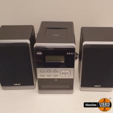 akai Akai Stereoset AMP240   Zilver   B-Grade   Met Garantie