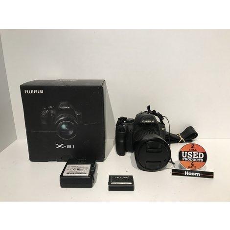 Fujifilm Finepix X-S1 12MP Camera incl. 3 Accu's, Lader en Doos in Nette Staat