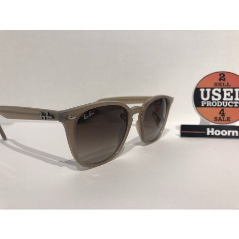 Ray-Ban Propionaat RB4258 50/20 Dames Zonnebril in Hoes