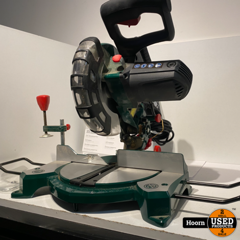 Parkside PKS 1500 B3 Afkort- en Verstekzaag (1500W, laser, zaagblad Ø 210 mm, 48 tanden, zaaglengte 120 mm)