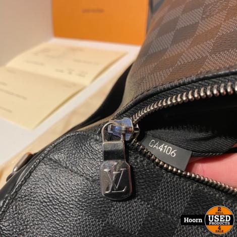 Louis Vuitton N41029 MM NM District Damier Graphite Messenger Bag in Doos Met Bon