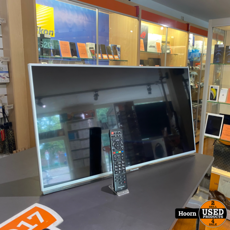 Panasonic TX-L32E6E 32 inch Full-HD LCD Smart TV met Muurbeugel en Afstandsbediening