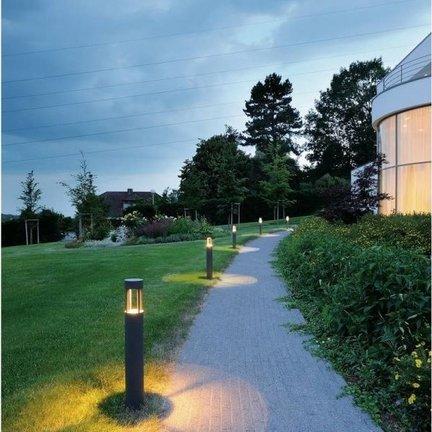 Pedestal lamps