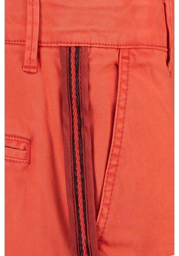 CKS Yuccanus Short - intense red