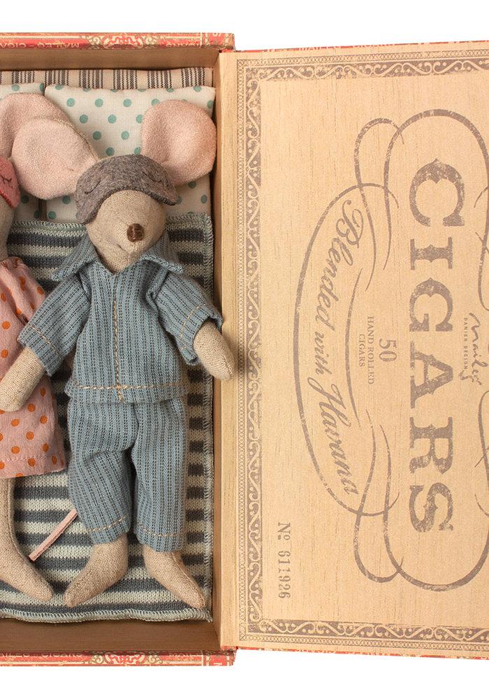 Maileg Mum & Dad Mice in Cigar Box
