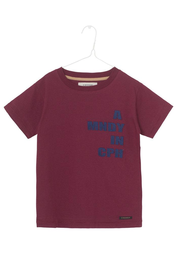 A Monday In Copenhagen T-shirt Tawny port