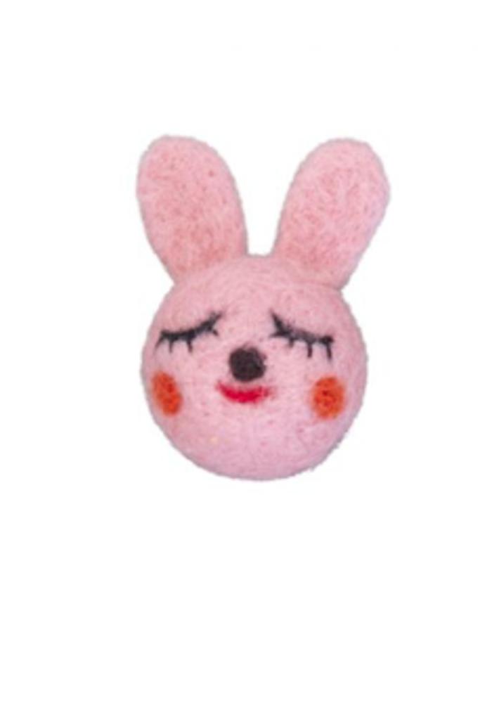 Global Affairs Broche Woolfelt Bunny