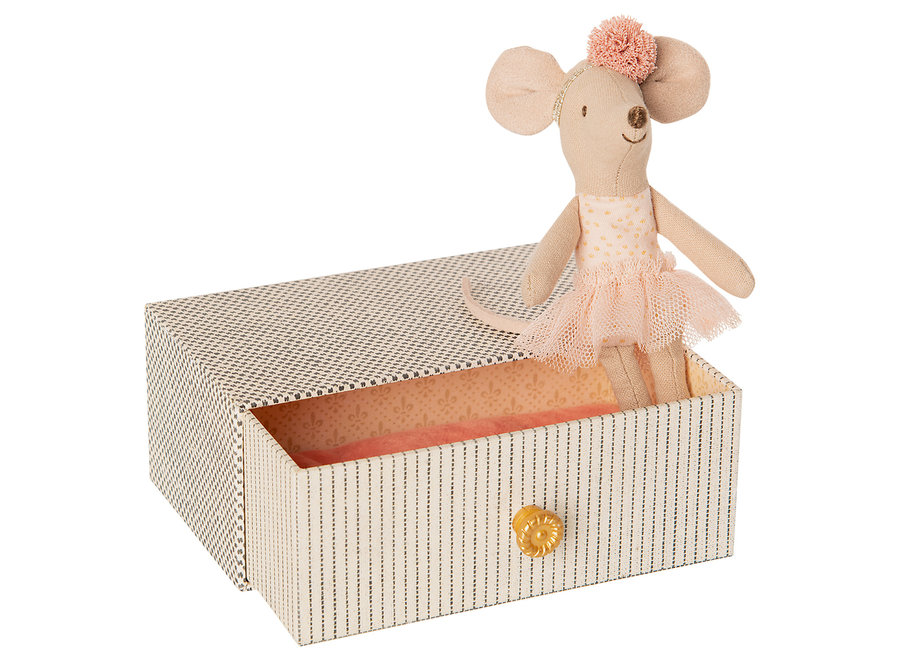 Maileg Dancing Mouse in Daybed, little sister mouse