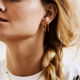Anna + Nina Single coral ring earring gold