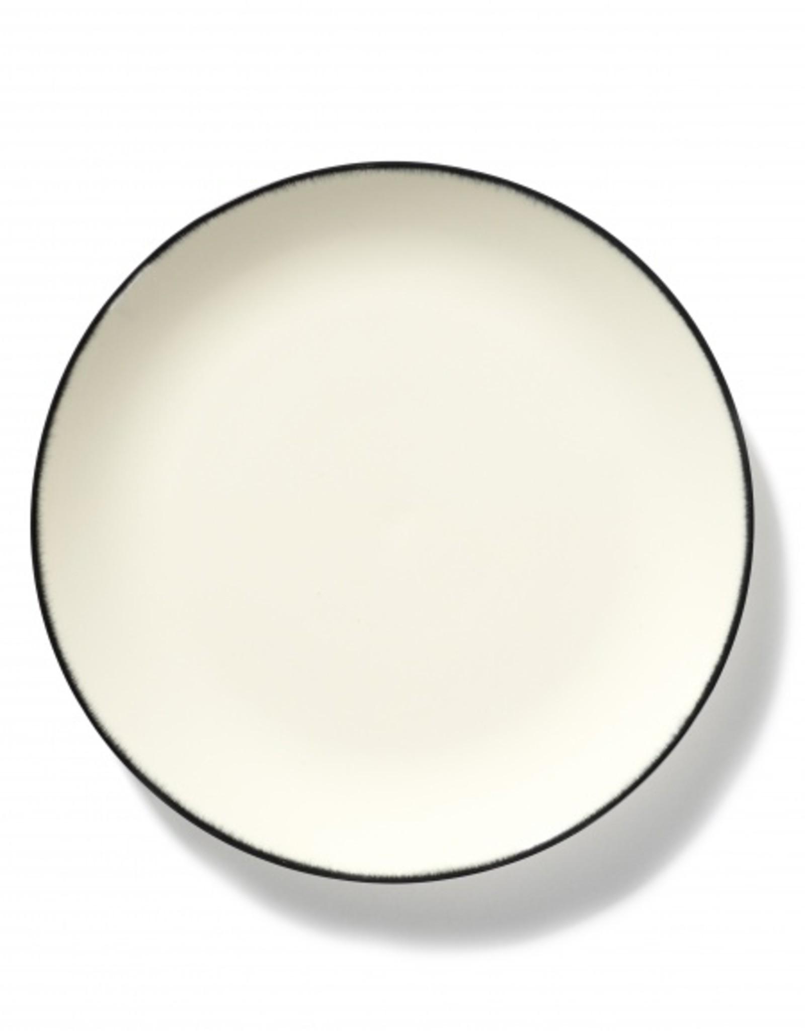 Ann demeulemeester Ann Demeulemeester for serax Plate D28 white-black 1