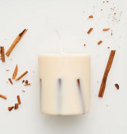 The Munio Cinnamon Candle
