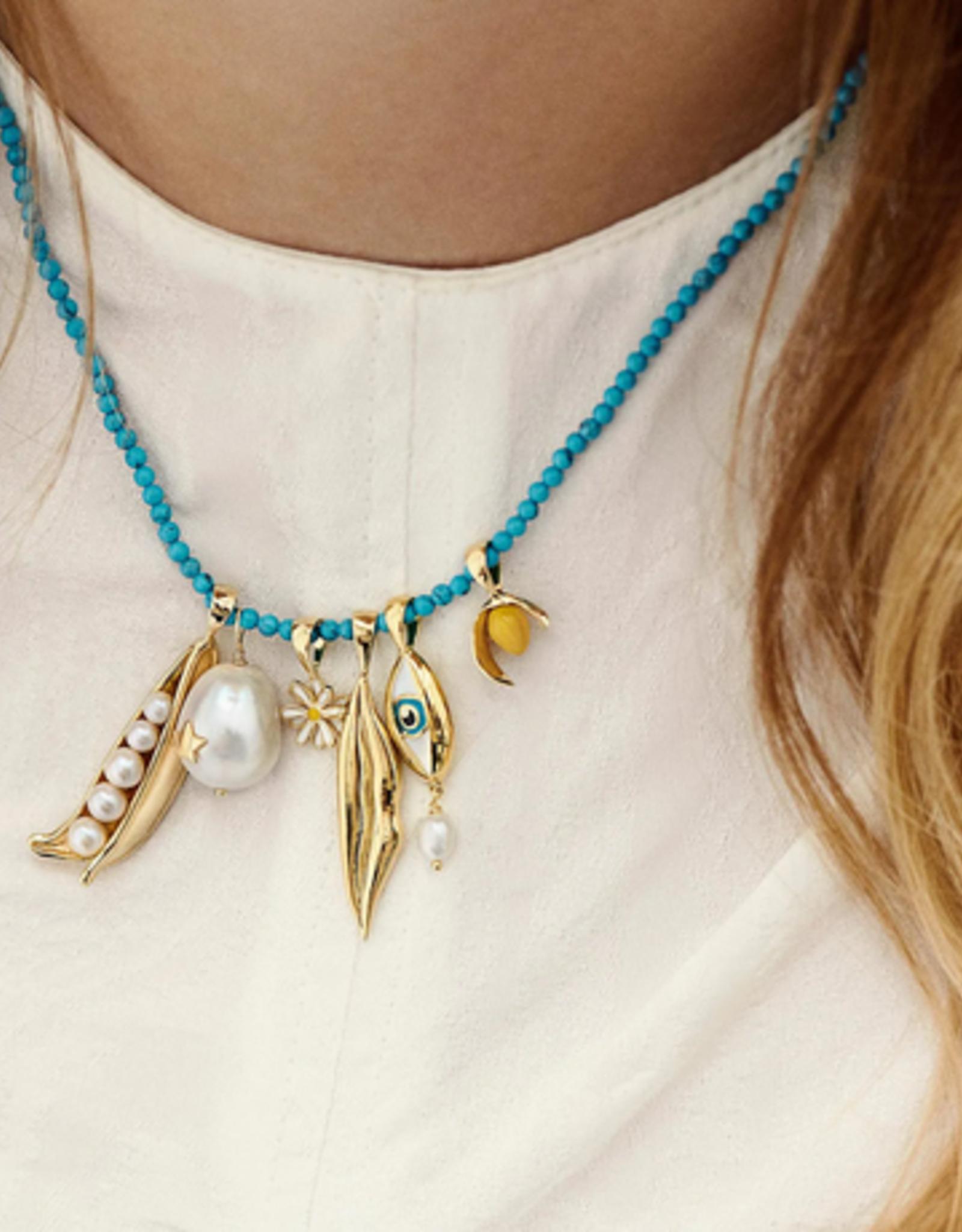Anna + Nina Daisy Necklace Charm Silver
