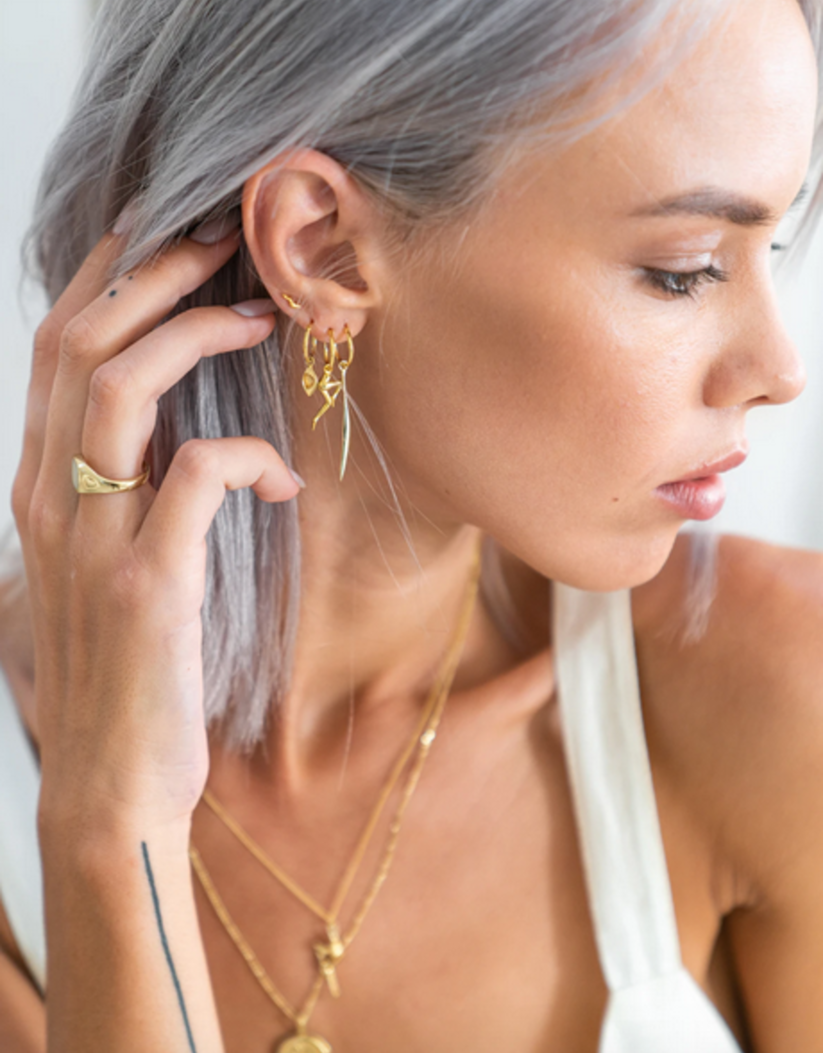 Flawed Flare studs gold