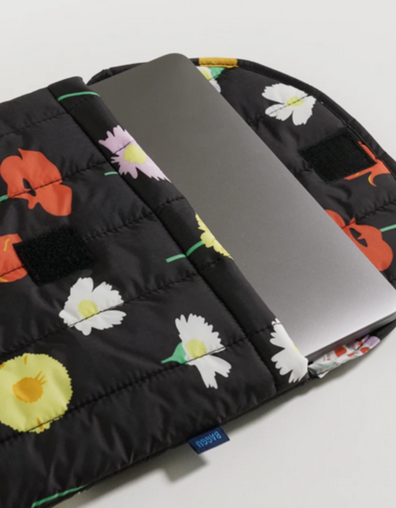 Baggu Puffy laptop sleeve wildflower 16 inch
