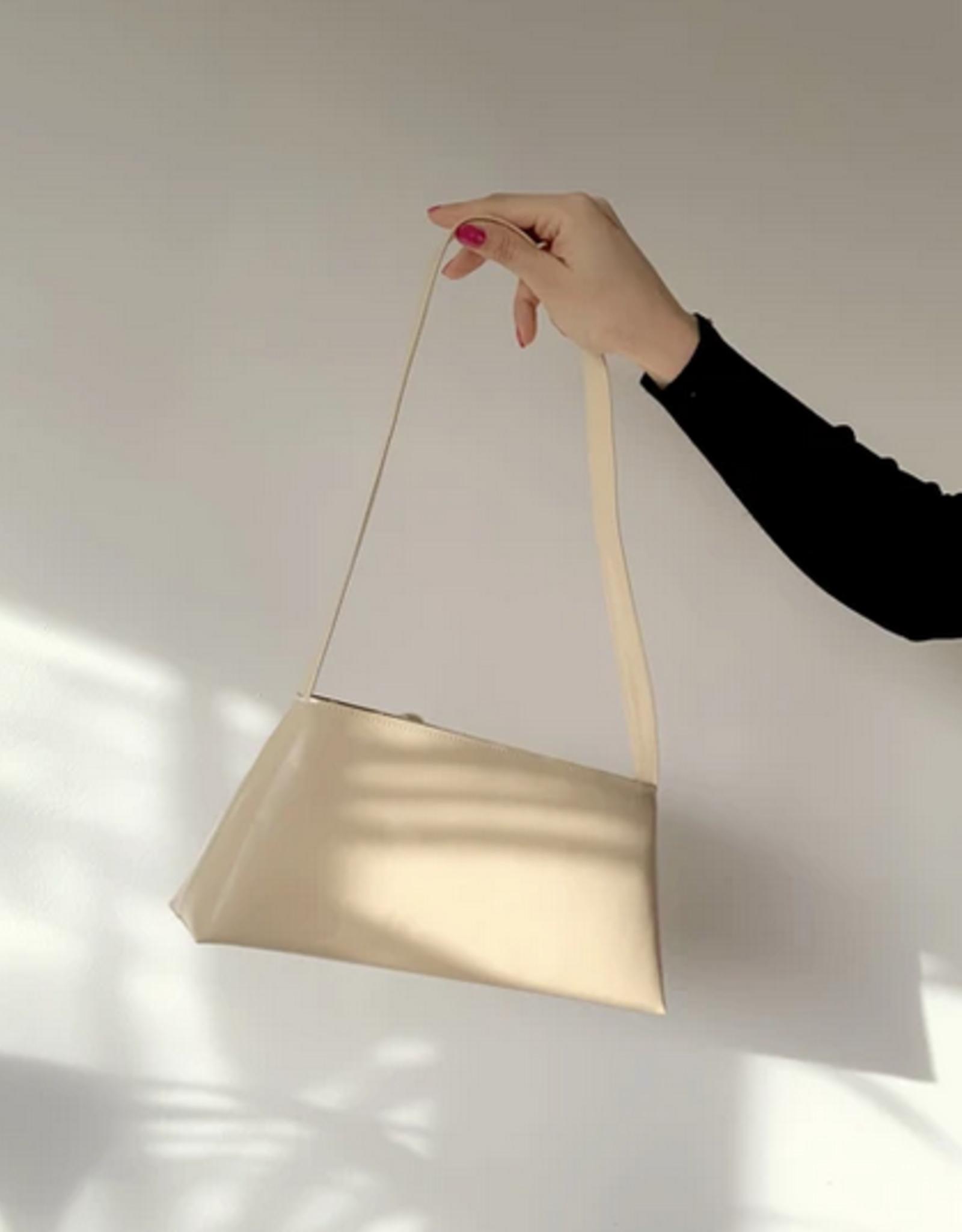 Nona Triangle bag nude