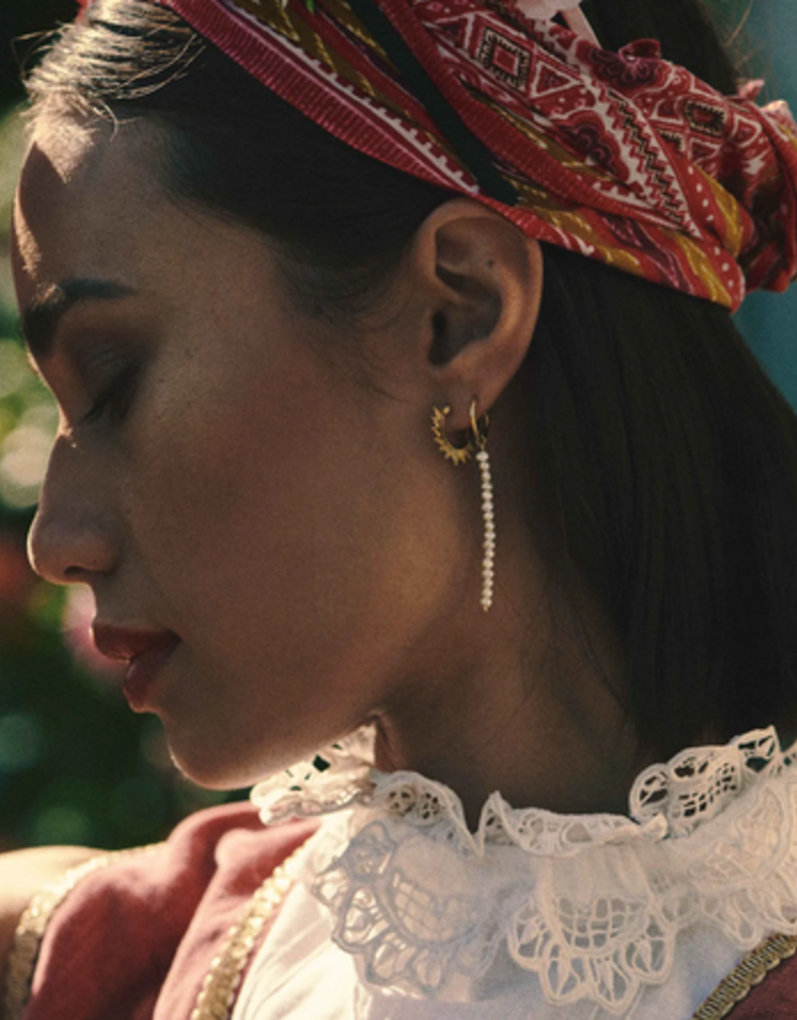Anna + Nina Single pearl rain ring earring goldplated