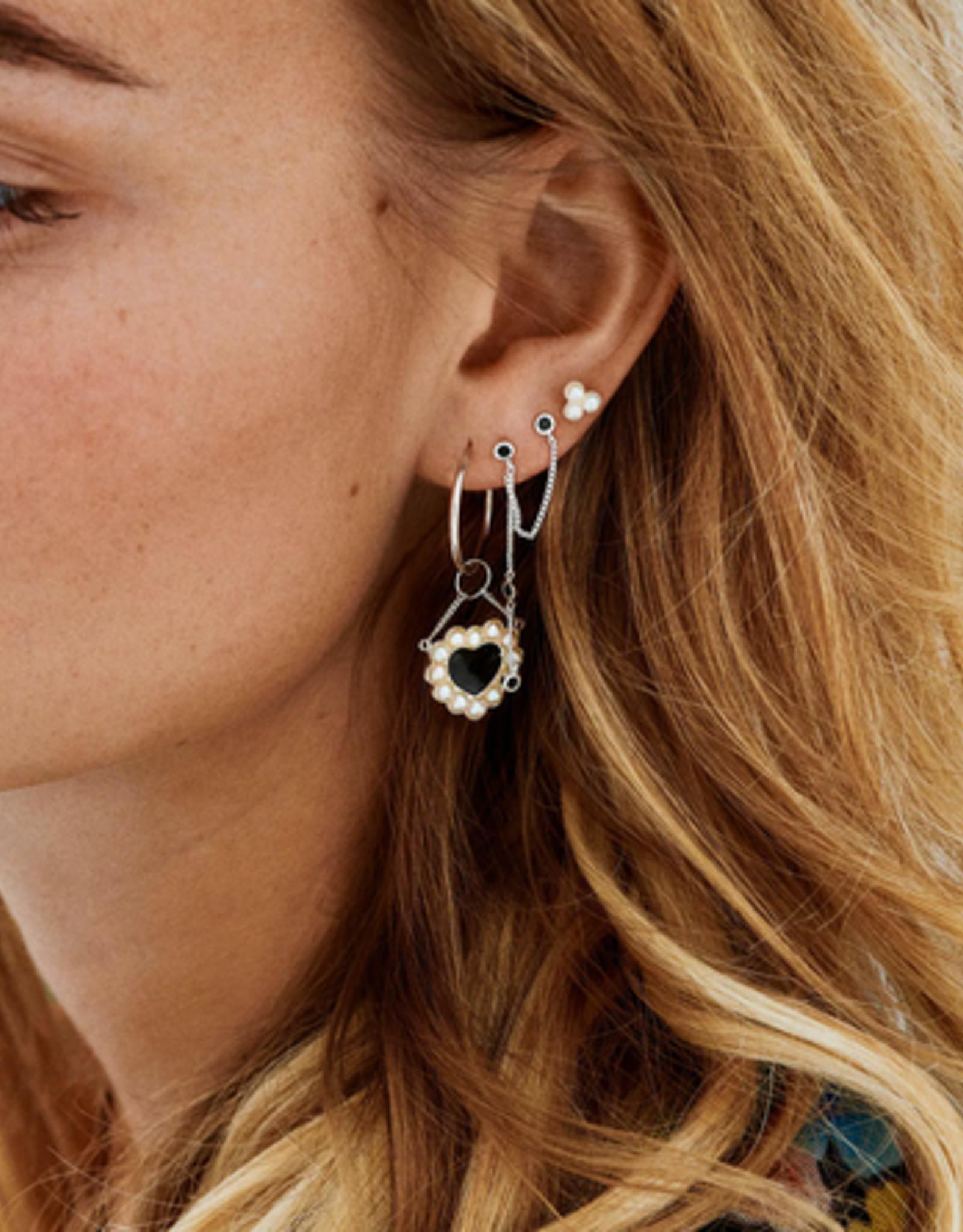 Anna + Nina Single triple pearl stud earring silver