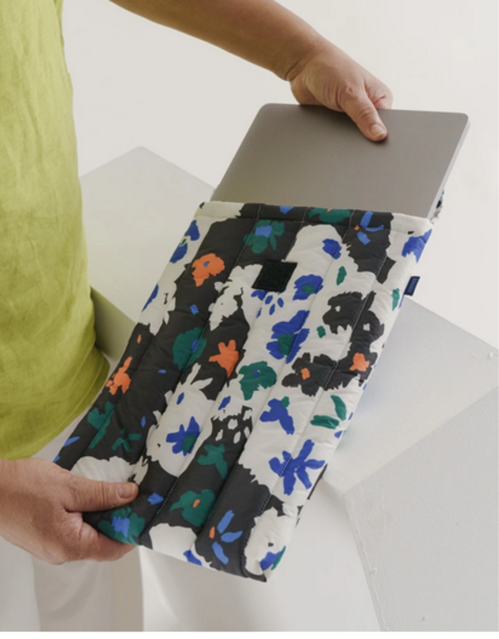 Baggu Puffy laptop sleeve 16 inch Litho Floral