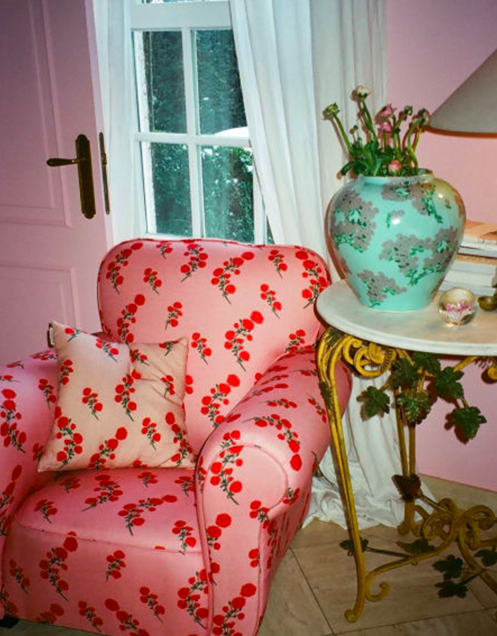 Bernadette Bernadette Floral cushion large 65x65cm - red blossom