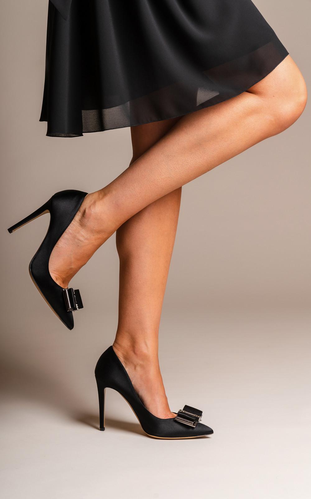 Salvatore Ferragamo Saten high heels ZEBRI