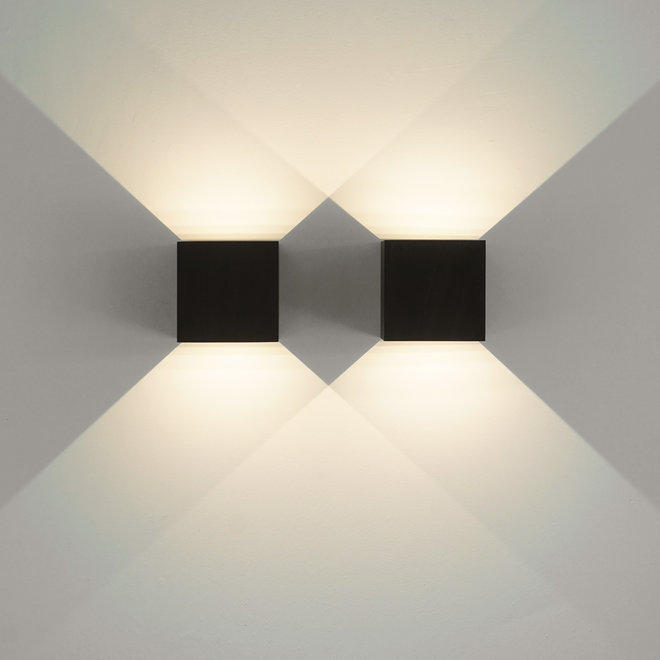 LED indoor/outdoor wall lamp CUUB square black Dimmable