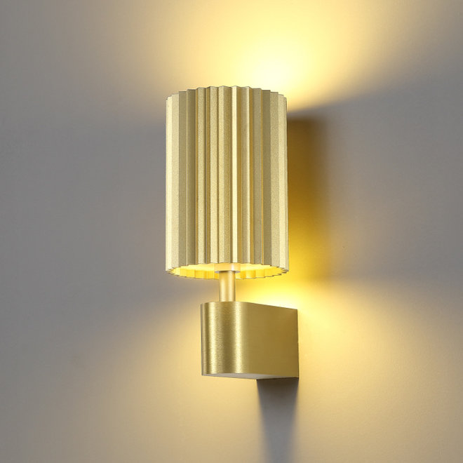 Wall lamp Leah with texture - gold