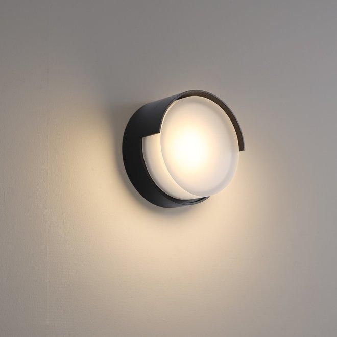 Indoor/outdoor wall lamp ROOF - black