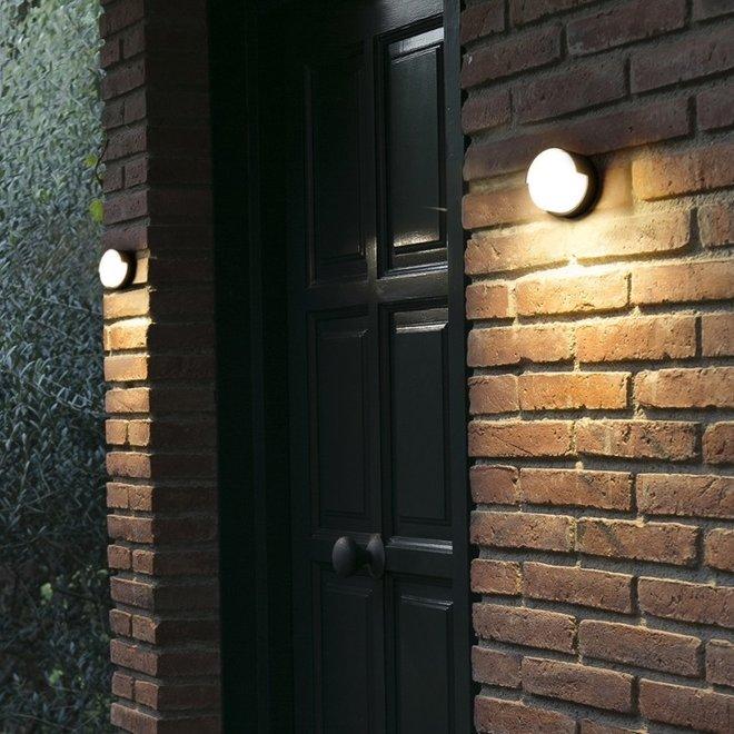 Indoor/outdoor wall lamp ROOF small - black