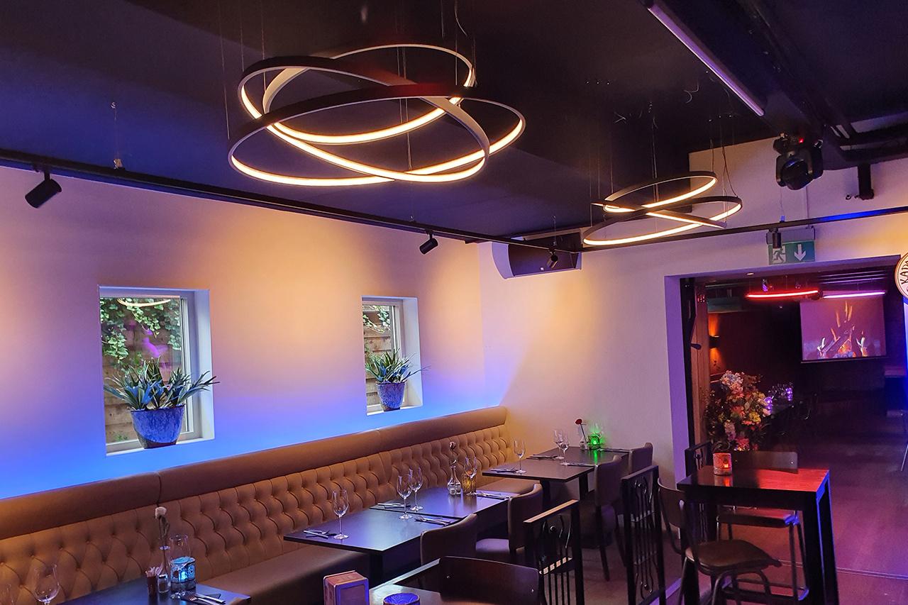 Lightinova-halo-led-ring-pendant-lamp-rgb-restaurantlighting-03
