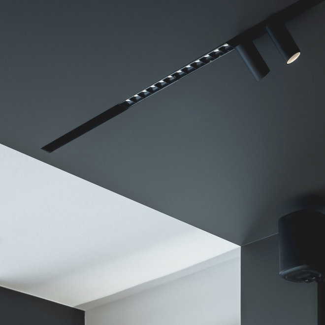CLIXX magnetic track light system - trimless recessed starter set - white