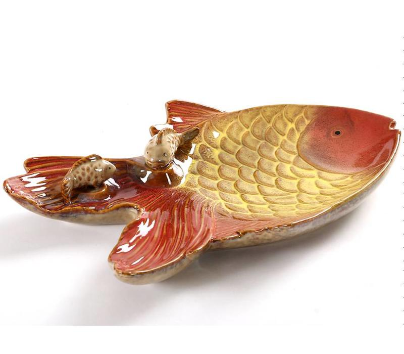 Goldfish dish with fish pottery