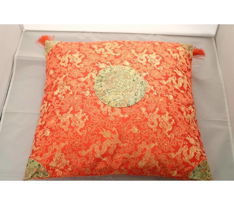 Chinese Kussen Oranje met Goud Kwastjes 40x40cm