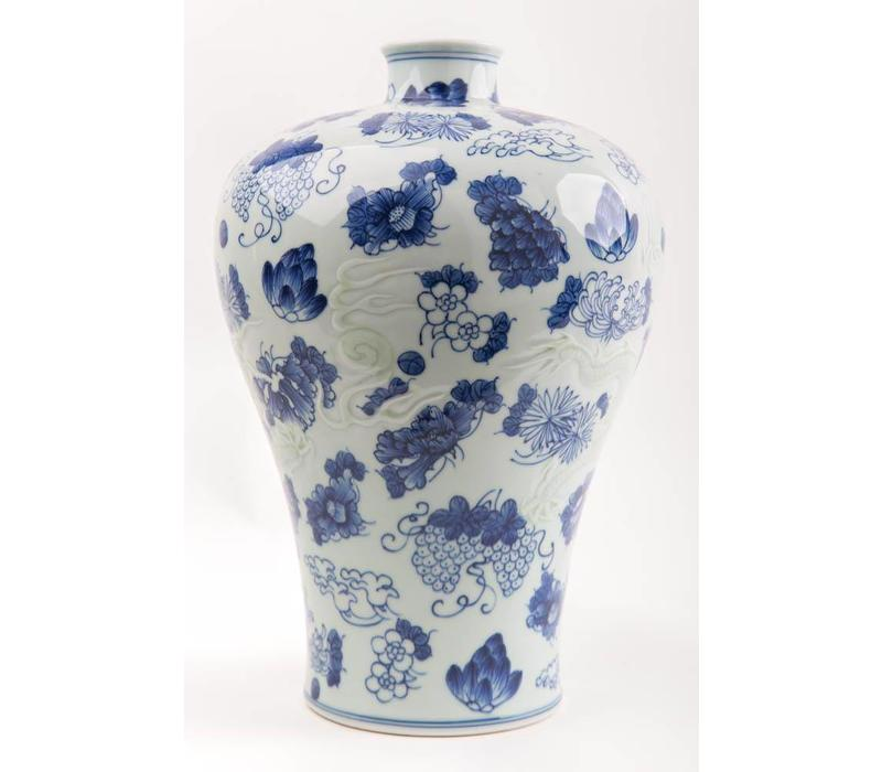 Chinese Vase Porcelain Handpainted Blue-White