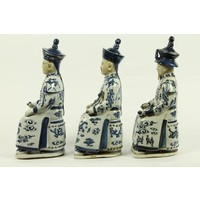 Set/3 Chinese Emperors Zittend of Porcelain in Blue-White