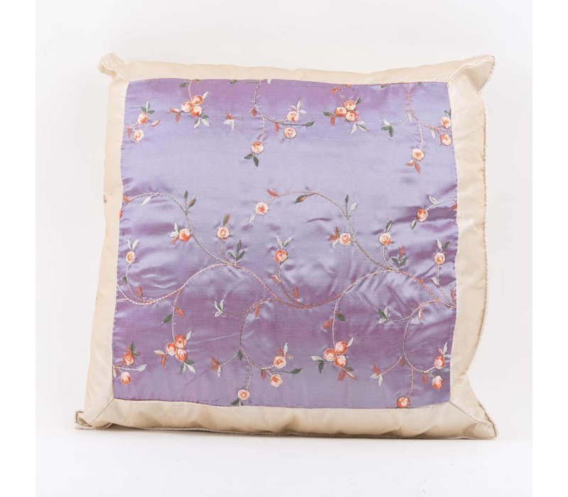Chinese Cushion Cover Silk Embroidered Flowers Lila 40x40cm without Filling