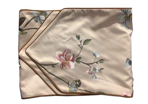 Fine Asianliving Silk table runner White handembroidered Roses Beige