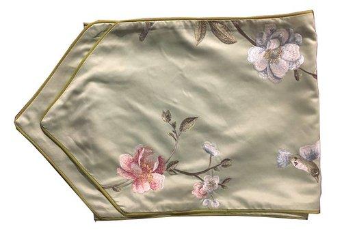 Fine Asianliving Silk table runner White handembroidered Rose Green