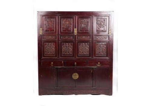 Fine Asianliving Antique Chinese Cabinet Handcrafted Floral Carvings W156xD52xH174cm