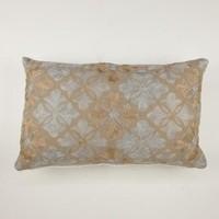 Cushion flower tiles oblong gold 30 x 50 cm
