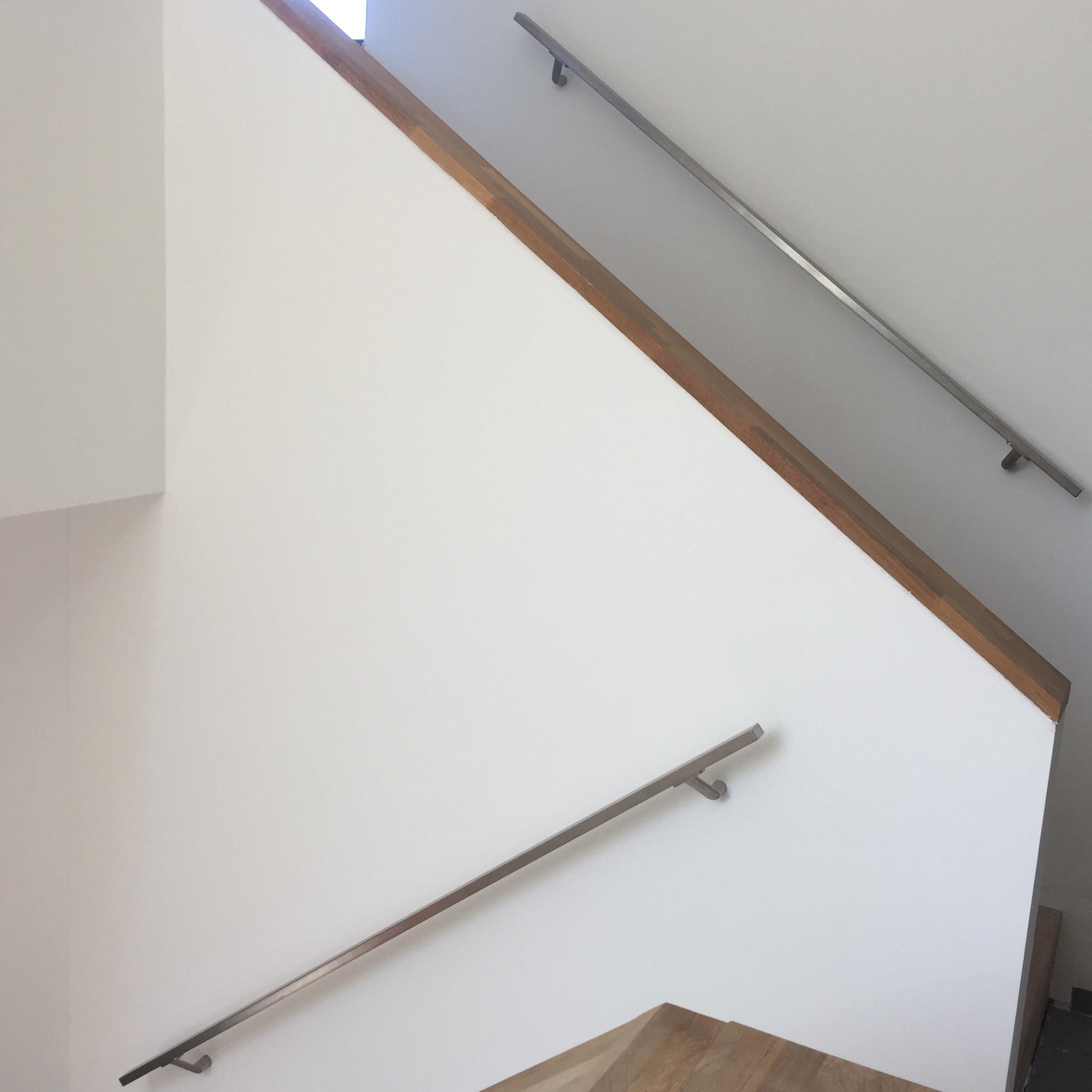 Handlauf Edelstahl viereckig 40x20 gebürstet Modell 7 - Rechteckige Edelstahl Treppengeländer - Treppenhandlauf
