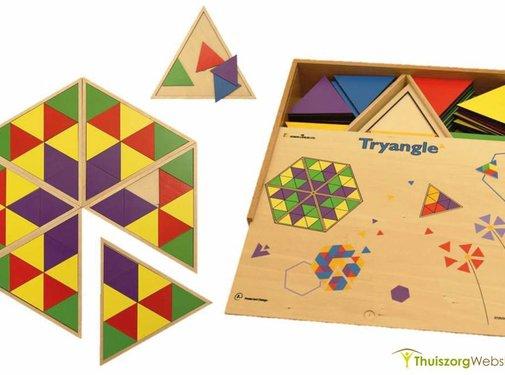 Legspel met gekleurde driehoeken
