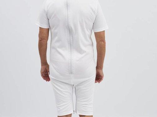 Witte body met rits op de rug en tussen de benen