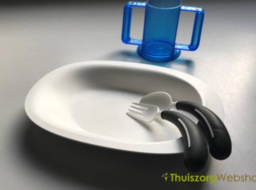 Ovalen bord met opstaande rand