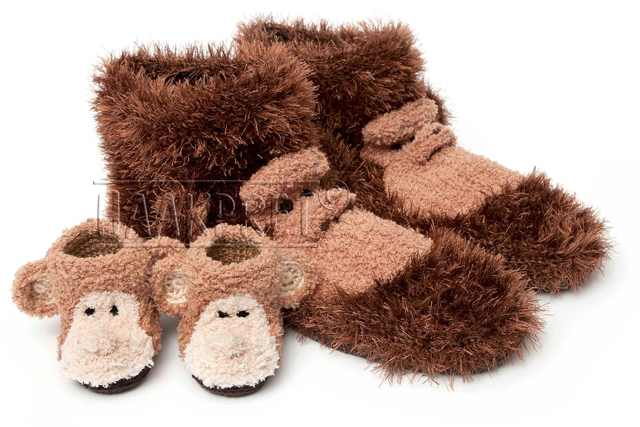 247a6b9cb88e The book Crocheted slippers by Anja Toonen of Haakpret contains the  instructions for countless different soft slippers that will keep you warm  all winter!