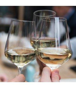 Wijnproeverij in de wijnwinkel