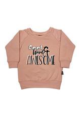 """KMDB KMDB Kinder Sweater Echo """"Cool Weird Awesome"""" Nude Roze"""