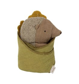 Maileg Maileg Baby Hedgehog with leaf